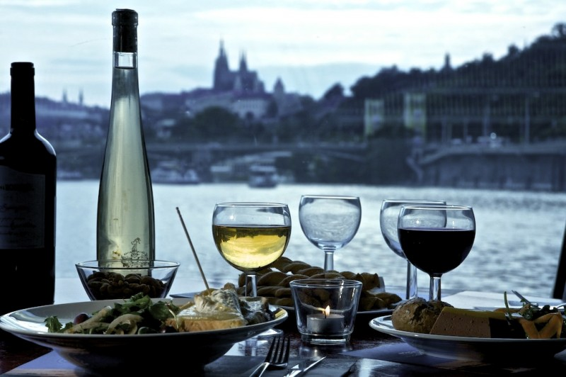 [img: Dinner with a view]